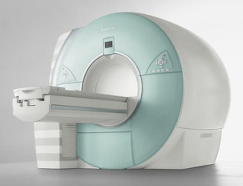 МР-томограф закрытого типа
